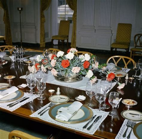 dining room jakarta 45 best jackie kennedy s white house flowers images on