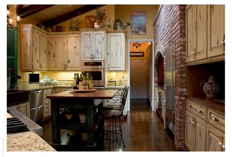 looking at the french country kitchen design style