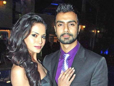 veena malik and ashmit patel wedding when fall in with