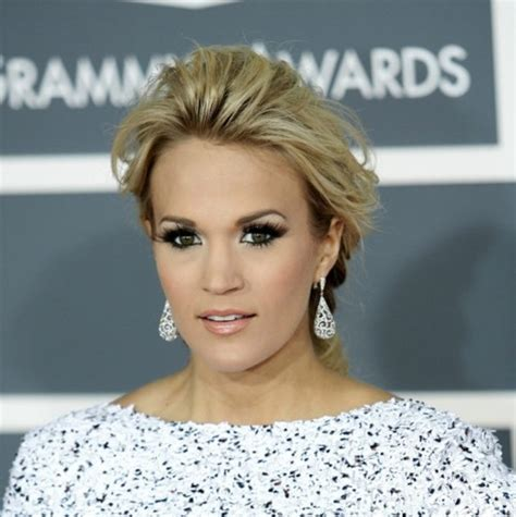 carrie underwood eye color what is carrie underwood eye color