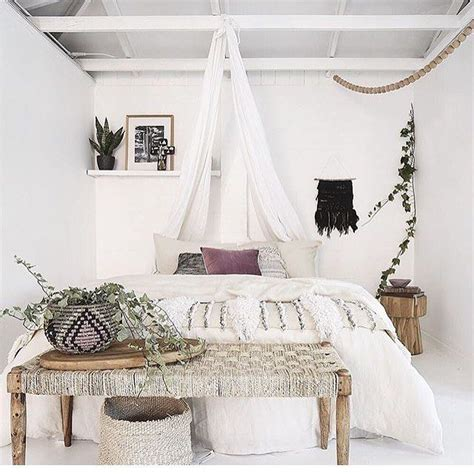White Bohemian Bedroom Decor by Best 25 Bohemian Chic Decor Ideas Only On