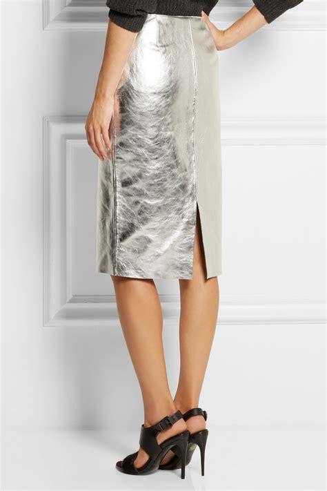 maje gallium metallic leather pencil skirt in metallic lyst