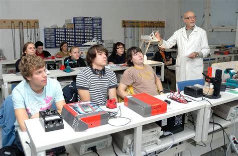 Design Engineer Schools | education wikipedia