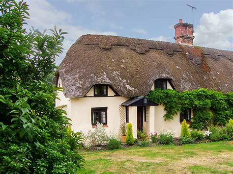 longhouse cottage friendly cottage in mannington