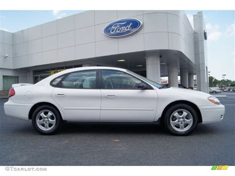 2005 Ford Taurus by Vibrant White 2005 Ford Taurus Se Exterior Photo 63161959