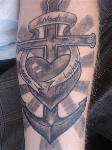 noldom herz kreuz anker tattoos von tattoo bewertung de