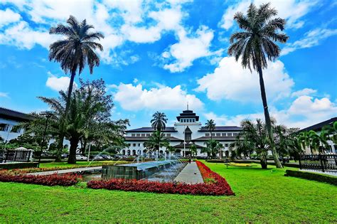 Tikar Lipat Bandung Kota Bandung Jawa Barat lokasi ngabuburit favorit di bandung indah semua sai