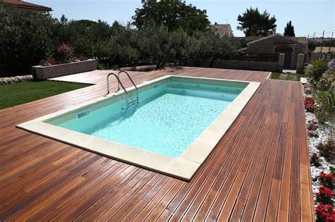 piscine sotto terra pavimentazioni in legno per il bordo piscina il mondo