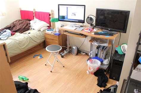 how to clean a really messy bedroom clean room before and after images