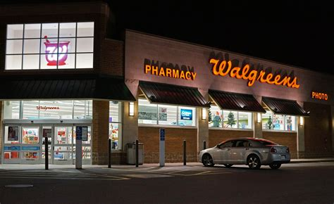 cvs vs walgreens which coupons are better moneyselfie