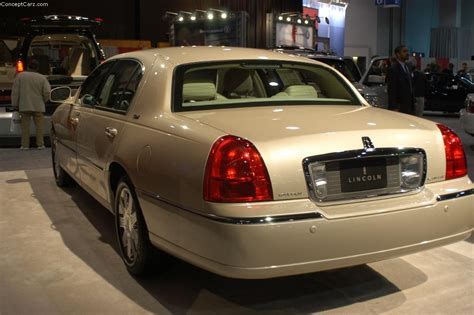 value of 2000 lincoln town car auction results and sales data for 2003 lincoln town car
