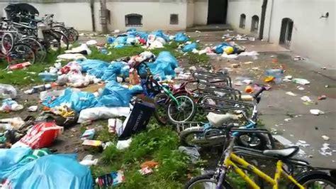 asylanten wohnung vorher nachher m 252 ll vor dem asylheim in augsburg