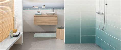 Badezimmer Fliesen Warme Farben by Akzente Mit Farbigen Fliesen