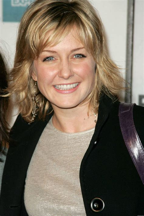 lindas hairstyle on blue bloods amy carlson photos amy carlson images ravepad the