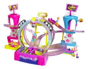 polly poclets of divas reviews polly pocket race to the concert