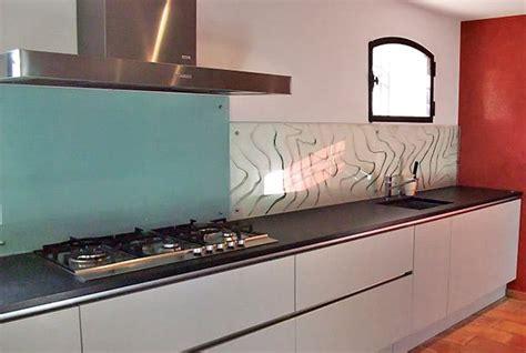 cr馘ence cuisine en verre design quelle cr 233 dence pour votre cuisine