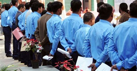 Mba Unemployment Rate India by Unemployment Peaks As Graduates Engineers Mbas Apply