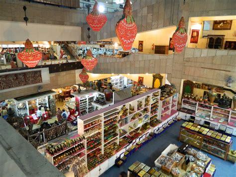 shopping in delhi central cottage industries emporium