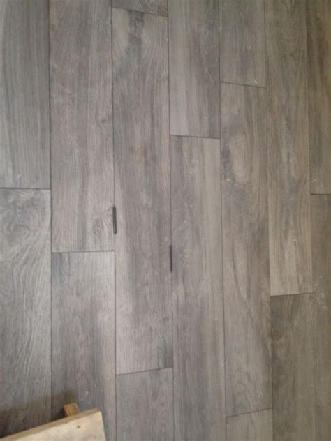 Light Floor Tile With Grout by Grout Color For Light Wood Look Tile