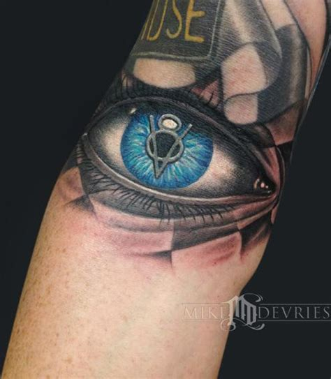 eyeball tattoo aftercare vintage v8 eye by mike devries tattoos
