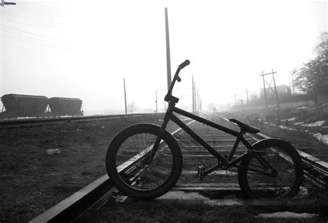 imagenes de bicicletas a blanco y negro bmx