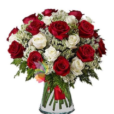bouquet di fiori per laurea fiori per laurea corona di alloro o fiori e bouquet di