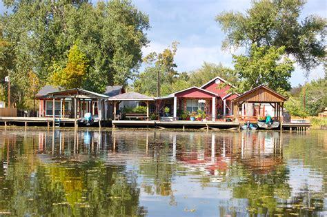 louisiana house file locals living on the bayou jpg wikimedia commons