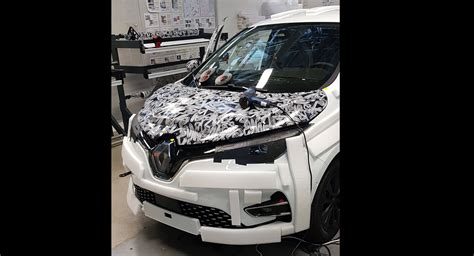 Zoe Renault 2020 by Here S The 2020 Renault Zoe With A Less Makeup On