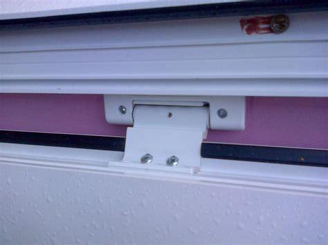 How To Adjust Pvc Door Hinges Pictures | Www.kotaksurat.co