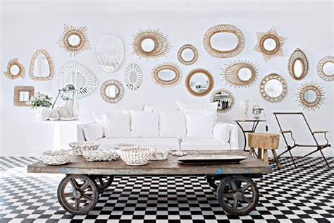 Plusieurs Miroirs Sur Un Mur by 7 Fa 231 Ons D Agrandir L Espace Avec Un Miroir
