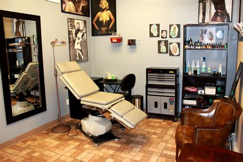 small tattoo shop skinhouse studio longmont skinhouse studio