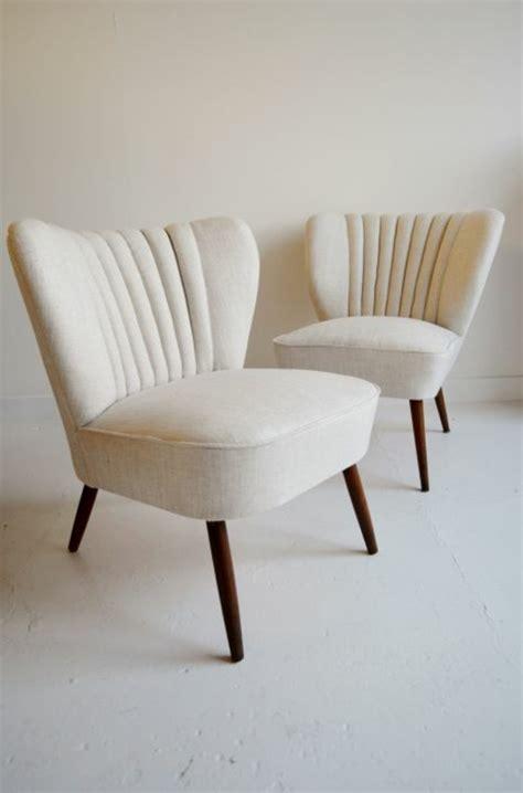 Attrayant Meubles Salle A Manger Gris #5: fauteuils-cabriolet-mini-fauteuil-beige-chaises-de-salon-modernes-pour-votre-salon-moderne.jpg