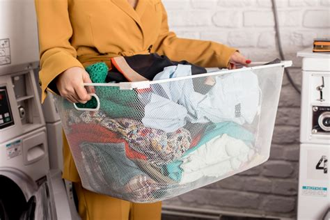 7 Misconceptions About Your Laundry by 7 Mituri Legate De Spalarea Hainelor Negoita