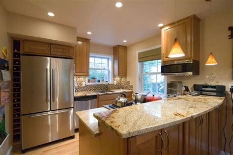 Ideas For Remodeling Small Kitchen Kitchen Design Ideas And Photos For Small Kitchens And Condo Kitchens Kitchen And Bath Factory