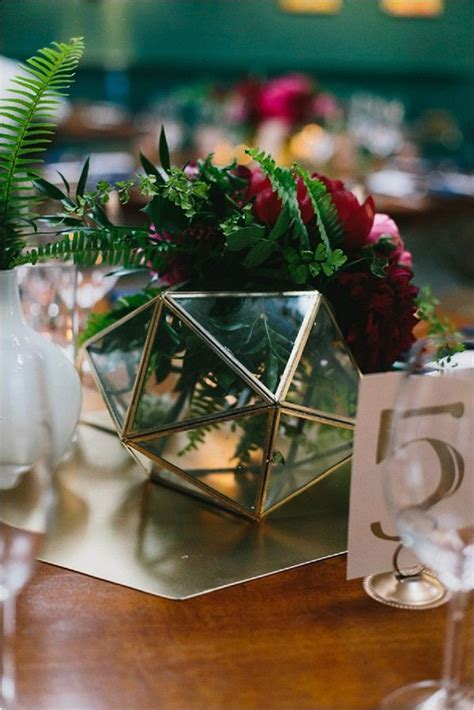 Top 10 Wedding Centerpieces for 2016   Seating plan Table