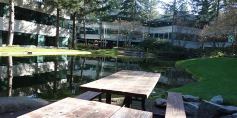 Meja Kantor Olimpik kantor pusat microsoft dan misteri gedung nomor 7
