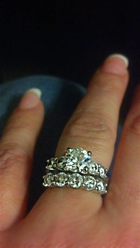 Prince Gets A 5 Carat by Would A 3 Carat Or 2 5 Carat Ring Look Bad On A Small Finger