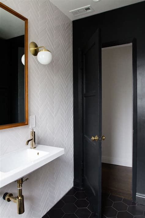 bathroom door paint best 25 bathroom doors ideas on pinterest small space