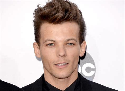 the biography of louis tomlinson louis tomlinson biography body measurements height weight