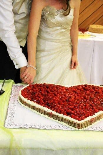 Hochzeitstorte In Herzform by Hochzeitstorte Herzform Bildergalerie Hochzeitsportal24