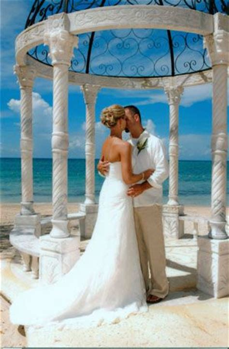 sandals whitehouse wedding pictures pin by alivia reiss on wedding
