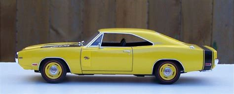 Revell Dodge Charger revell 1970 dodge charger r t 426 hemi top banana build 1 glass model cars