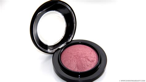 A Blush On A hit or miss mac mineralize blush in gentle dorothea