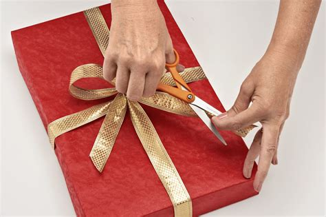 how to wrap presents community activity christmas gift wrapping lilydale