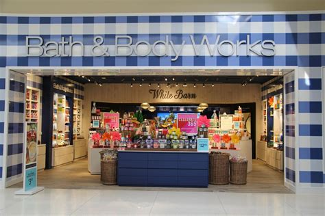 White Barn Candle Tuttle Mall by Bath Works Adds White Barn Business News