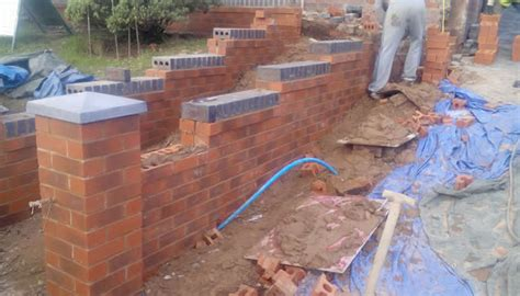 cost of building a garden wall