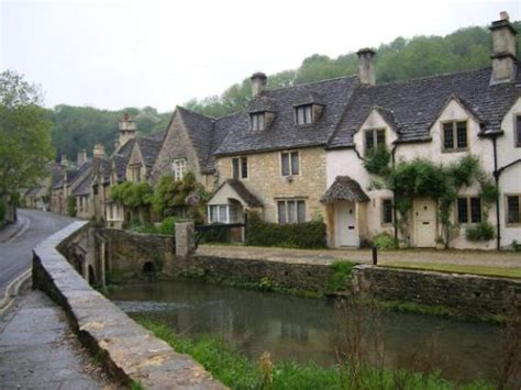 Cheap Cottages Cotswolds by Castle Combe