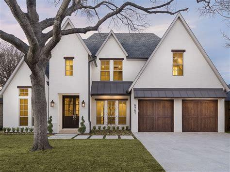 white house  black trim design ideas   http