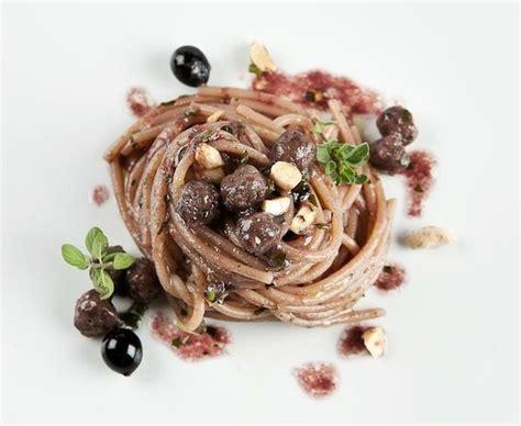 enoteca le ristorante enoteca le in macerata con cucina italiana