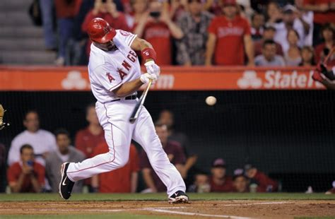 albert pujols swing bernie bytes pujols still winning games for cardinals